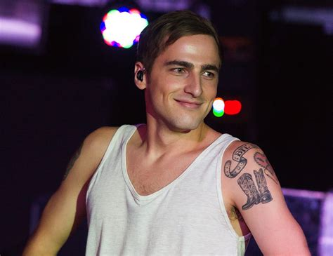 kendall schmidt tattoos kendall schmidt reveals his future plans twist