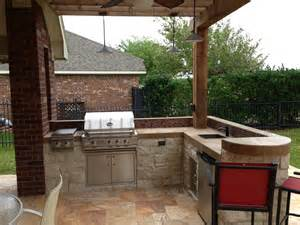 small outdoor kitchen small quot l shape quot outdoor kitchen with bar seating