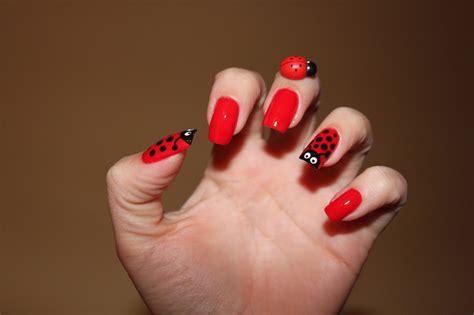 imagenes de uñas pintadas en color rojo unas decoradas mariquitas esbelleza com