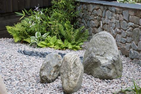 Deko Mit Steinen Im Garten