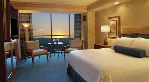 Room Reviews by Discounts Luxor Hotel Casino