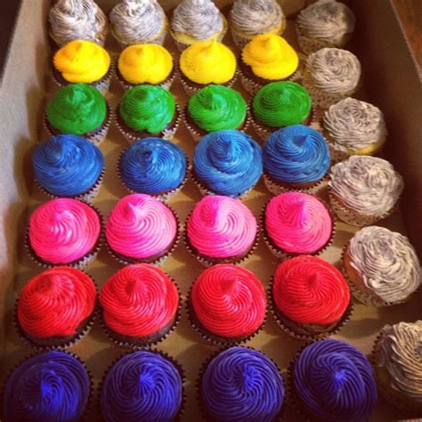 cupcake color bright color cupcakes cupcake ideas