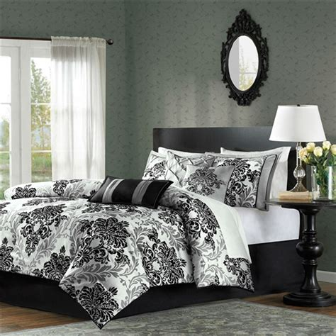 queen black white gray medallion damask bedroom 7 pc queen size 7 piece damask comforter set in black white