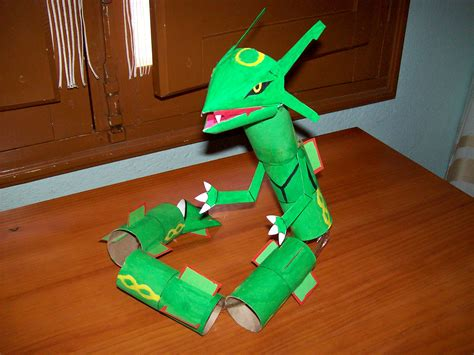 Rayquaza Papercraft - rayquaza toiletpapertubes 2007 by gonzaloguay on deviantart
