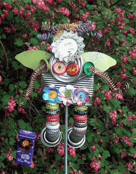 Garden Recycle Ideas 25 Best Ideas About Recycled Garden Crafts On Pinterest Yard Ornaments Golf Ants And