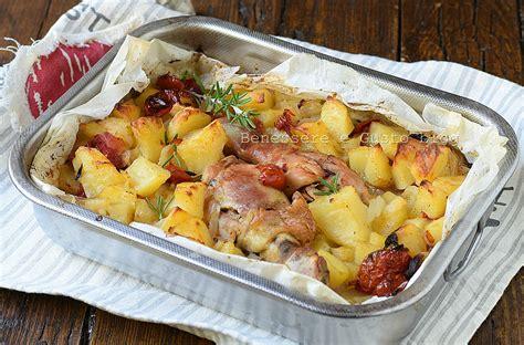 cucinare cosce di pollo al forno cosce di pollo al forno con patate ricetta benessere e