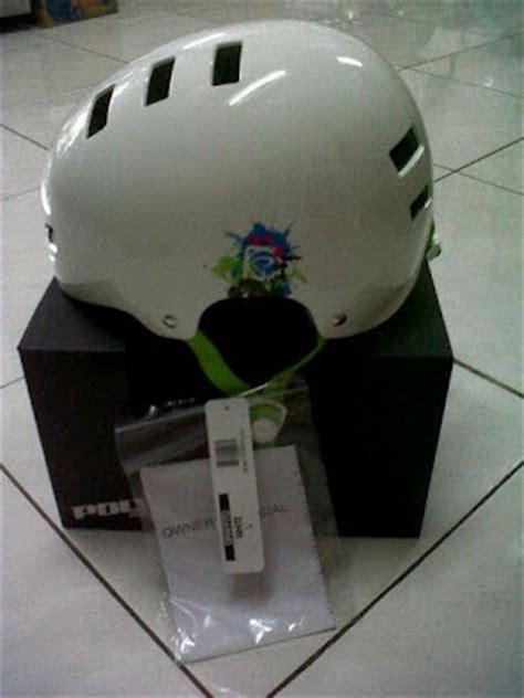 serb sepeda helm sepeda polygon grafitto harga rp