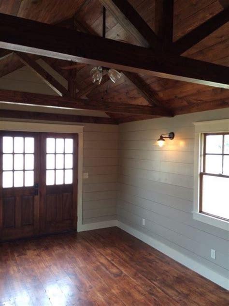 beautiful    tiny cabin  sale