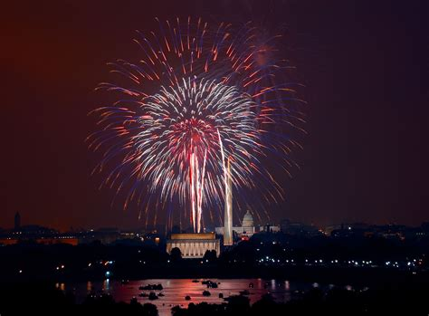 service washington file july 4th fireworks washington d c loc jpg wikimedia commons