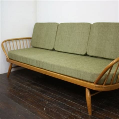 ercol studio couch vintage ercol studio couch blonde and olive green