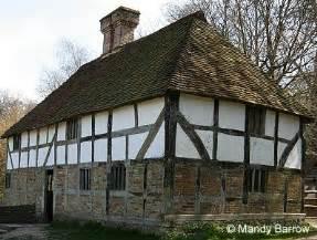 what makes a house a tudor investigating tudor houses 4jp moorside 2013 144jp moorside 2013 14