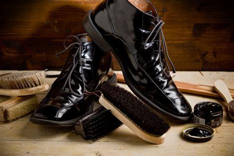 shoe shine how to achieve a tuxedo quality shoe shine on black shoes