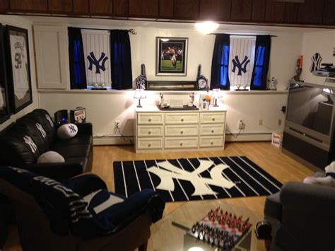 new york yankees bedroom ideas yankee bedroom loving new york yankees pinterest