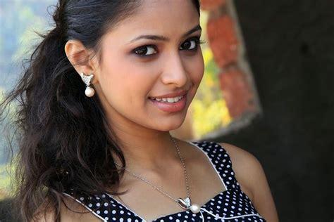 actor photo ladki lek majhi ladki actress sayali deodhar biography hot pics