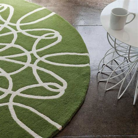district17 ribbon rug in green and white