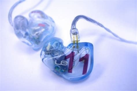 product review ultimate ears custom 11 pro earphones the ultimate ears ue 11 pro earphones slashgear