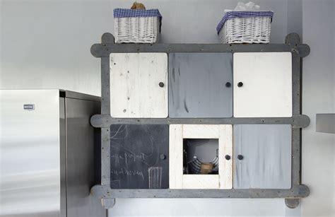 Cucina Con Mobili Di Recupero by Una Fantastica Cucina Con Materiali Di Recupero By