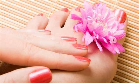 Manicure Pedicure Di Salon Semarang shellac and deluxe pedi paradise nail and spa groupon