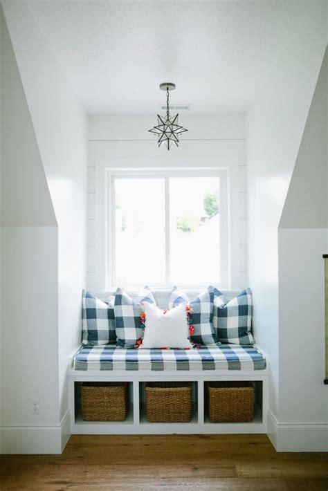 dormer storage ideas 25 best ideas about dormer bedroom on loft