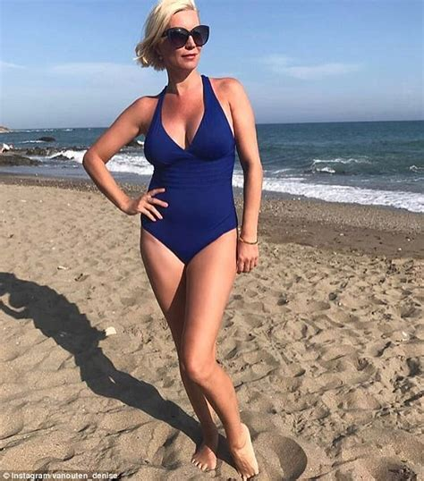 Marbella Set Navy outen sizzles in swimsuit in marbella daily