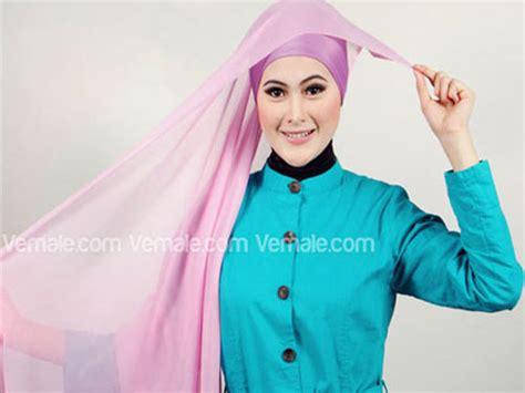 Jilbab Segi Empat Warna Gold cara pakai jilbab segi empat polos warna pink modis