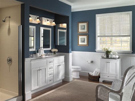 find the nearest bathroom have been tryihng to find a blue paint to go with white