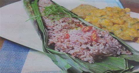 resep membuat nasi merah bakar resep nasi bakar merah telur asin menu spesial malam