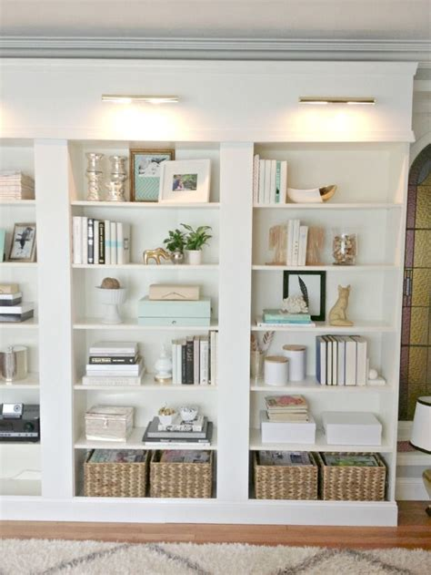 decorating bookshelves best 25 decorating a bookcase ideas on pinterest bookshelf styling book shelf decorating