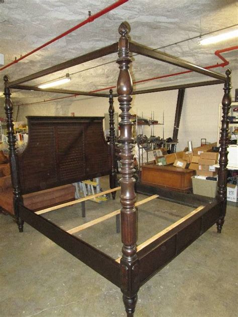 Key Town Furniture by Amazing Key Town Canopy Bed By Furniture 87 Quot H X 83
