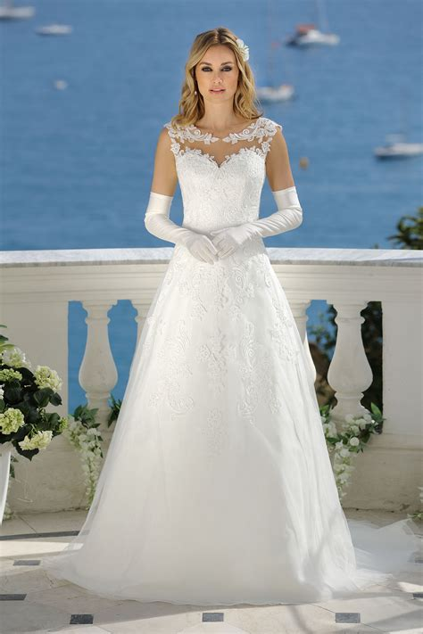 Brautkleider Katalog by Brautkleider Hochzeitskleid Kollektion Ladybird