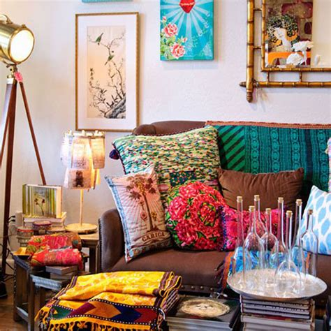 bright dash of wall color in an eclectic living room interior design trends to watch in 2014 designer mag