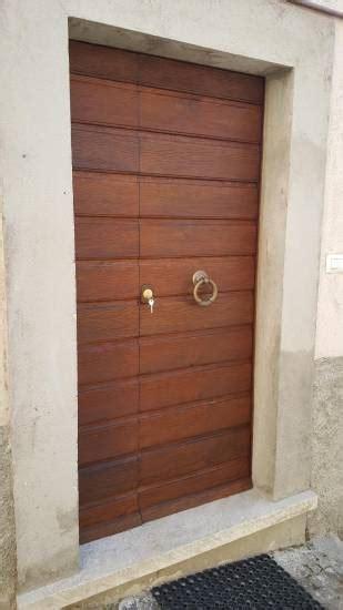 portone d ingresso in legno portone mercantile in legno fabbrica di portoni infissi e