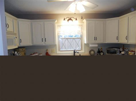 painted white kitchen cabinets antique white painted kitchen cabinets after jan 2016 01