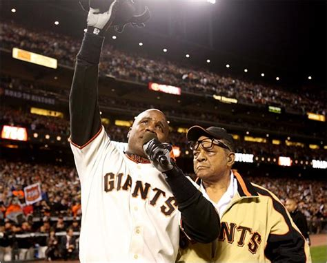 How Many Home Runs Did Barry Bonds Hit by Bonds Hits No 756 To Aaron S Record The New York Times