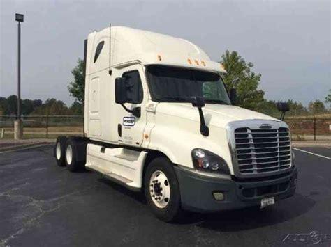 Semi Truck Condo Sleeper by Freightliner Ic Xl W 70 Condo 2005 Sleeper Semi
