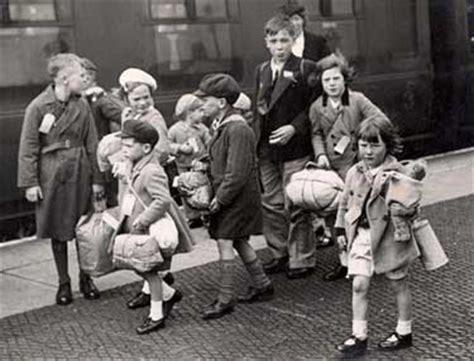 children and world war 1445105799 world war two evacuees drama resource