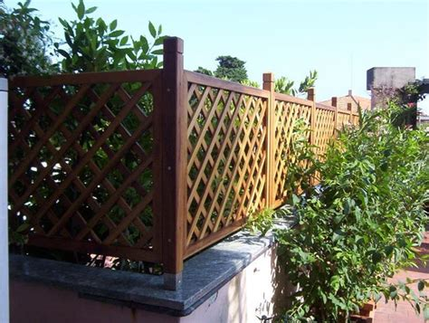 grate in legno per giardino griglie legno giardino grigliati e frangivento griglie