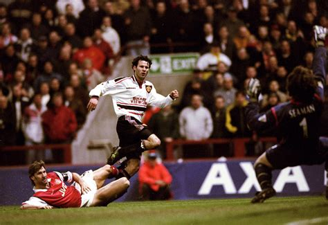 Miniatur Giggs Manchester United Soccerwe remembering giggs goal against arsenal in 1999