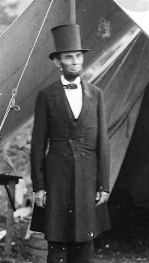lincoln up abraham lincoln standing up with his hat www imgkid