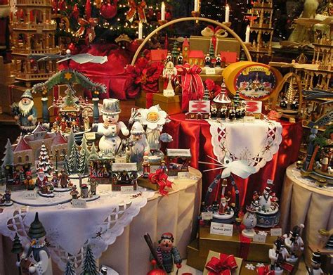 christmas shops near me and candle shop near pigeon forge tn