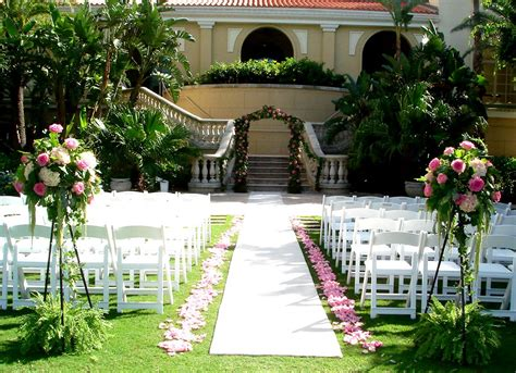 Garden Wedding Decor Ideas Shades Of Pink For A Garden Wedding At The Ritz Flowers By Fudgie Your Sarasota Florist
