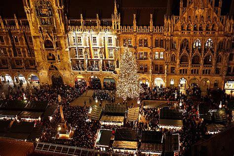lade natalizie a 241 o nuevo en munich vino caliente luces y nieve