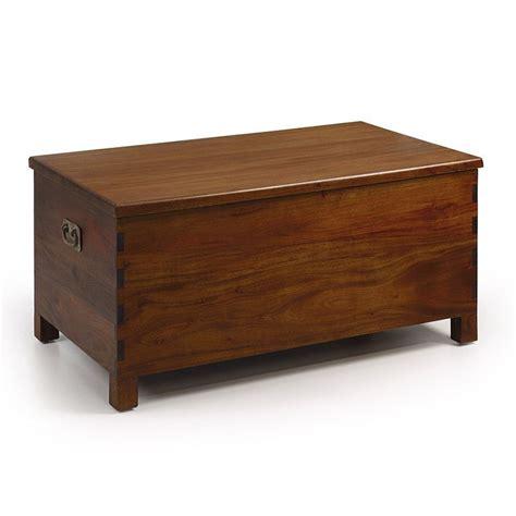 coffre en bois au style colonial meuble de rangement