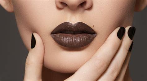 tutorial memakai lipstik sesuai bentuk bibir 7 kesalahan memakai lipstik yang mungkin kamu sering
