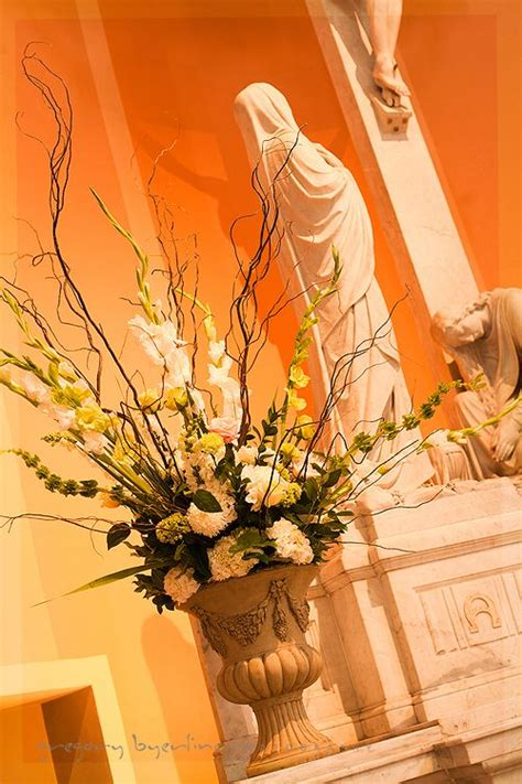 easter sunday service decorations 17 best images about church flowers on pinterest altar