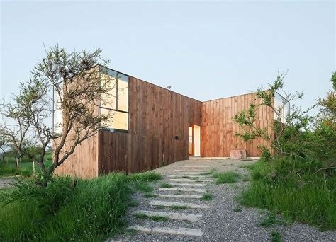 design house studio valparaiso minimalist timber cml house in chile features a unique