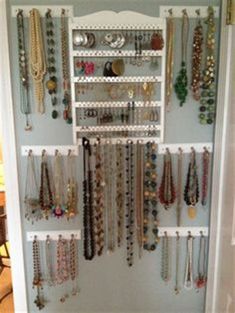 how much does a jewelry store owner make 1000 ideas about jewelry wall on jewelry