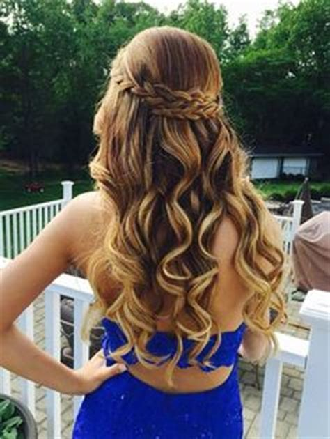 hoco hairstyles down 1000 ideas about homecoming hairstyles down on pinterest