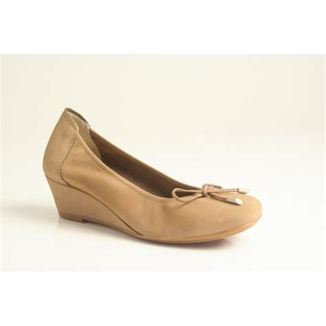 sabrinas sabrinas taupe nubuck leather wedge shoe with
