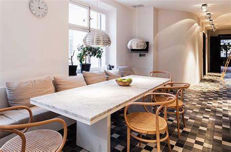 esszimmer mit stuhl schienen gem 252 tliches apartment in stockholm gelegen 7 room